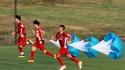 Các cầu thủ Việt Nam trong bài tập thể lực. Ảnh: MINH HOÀNG