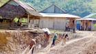 Sau khi nhường đất cho thủy điện chuyển đến nơi ở mới, đời sống của người dân huyện Tây Giang, Quảng Nam gặp rất nhiều khó khăn