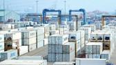 Hàng hóa tập kết tại Cảng Cát Lái, TPHCM. Ảnh: ĐÌNH LÝ
