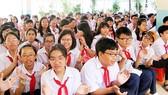 Ngân sách chi thêm 4.730 đồng/năm để miễn học phí THCS và hỗ trợ học sinh ngoài công lập  