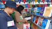 Khan hiếm sách giáo khoa: Một phần vì sợ tồn kho sách