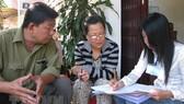 Investigator makes survey at a household (Source: VNA)