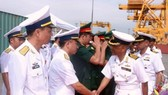 Officers and crew members of two Indian naval ships dock at Hai Phong Port