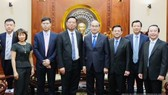 Secretary of the Ho Chi Minh City Party's Committee Nguyen Thien Nhan and leaders of Urbaser Group