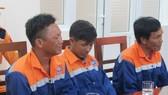 Các thuyền viên tàu BC 292 gặp nạn được đưa về bờ