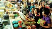 Giao dịch thương mại tại chợ Bến Thành