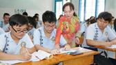 Cô và trò Trường THCS Lạc Hồng (quận 10) trong một giờ lên lớp