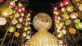 """Đến Vincom đón """"siêu trăng kỷ lục"""""""