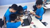 Lắp ráp robot - Sân chơi khoa học thực hành thú vị cho học sinh