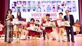"""Chung kết cuộc thi hùng biện tiếng Anh """"Voice Of Nguyen Hoang - VNH"""" lần 1"""
