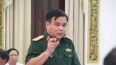 國防部副部長黎瞻上將在會上指出,目前已下令停止新山一機場高爾夫球場內所有相關建設活動。(圖源:H.C)