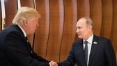 美國總統特朗普與俄羅斯總統普京在漢堡首次正式會晤。(圖源:路透社)