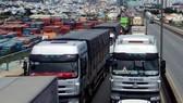 因為每天有16,000至20,000輛卡車和集裝箱卡車進出入桔萊港,經常造成堵車現象,所以市人委會向交通運輸部建議敷設抵桔萊港鐵路,以加強運輸連結的效果性。(圖源:海孝)