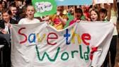 參加波恩氣候大會的年輕人。(圖源:路透社)