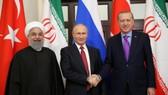 伊朗、俄羅斯和土耳其總統(左起)合影。 (圖源:路透社)