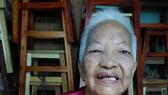 年老不幸患胃癌的馮彩蓉。