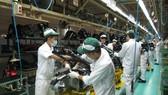 我國企業不斷改進技術提高生產力。