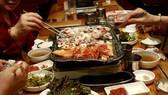 飯桌上5種行為最傷胃。(示意圖源:互聯網)
