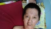 梅錦明發病後失去自理能力。