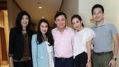 泰國前總理塔信發佈一家人合照。(圖源:互聯網)