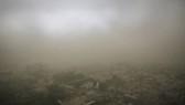 當地時間5月13日,印度新德里再遇沙塵暴天氣,當地天氣驟變,大風伴隨著塵土,接著是降雨,猛烈地衝擊著城市。(圖源:互聯網)