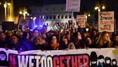 5月28日至6月8日,聯合國國際勞工組織(ILO)將在瑞士日內瓦召開年度大會,討論為消除職場暴力及騷擾制定新的國際標準。圖為3月8日國際婦女節當天,一群女性在意大利首都羅馬示威反對性騷擾。(圖源:AFP)