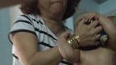 """虐童的""""十媽""""保姆將被起訴。(圖源:視頻截圖)"""