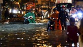 本月19日的強降雨導致多條街道嚴重受淹。(圖源:友科)