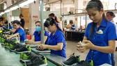 華人企業平新公司的生產線。