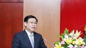 政府副總理王廷惠在研討會上發表講話。(圖源:VGP)