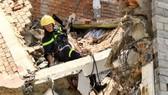 5月23日中午,第六郡陳文矯街發生房子坍塌事件(正在拆卸過程中),導致3人傷亡。