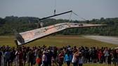 美國麻省一名藝術家數年前從女兒身上得到啟發,決心要製造1隻全球最大的紙飛機。(圖源:互聯網)