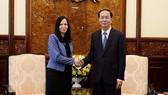 國家主席陳大光接見芭芭拉大使。(圖源:VOV)