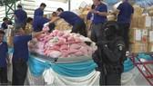 """在26日""""國際禁毒日""""前夕,泰國政府在位於曼谷北部的大城的處理設施內銷毀了收繳的15噸毒品。(圖源:NHK)"""