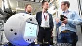 機器人將首次與太空人互動。(圖源:AP)