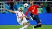西班牙(紅衣)與摩洛哥的比賽。