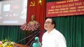 河內市委書記黃忠海在會議上發表講話。(圖源:維進)