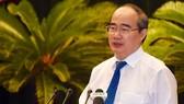 市委書記阮善仁在市黨部執委會2015至2020年任期第十屆第十七次會議上發表講話。