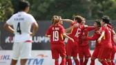 越南女隊慶祝勝利。