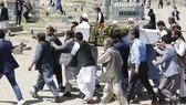 2018年6月在阿富汗喀布爾自殺襲擊中喪生的平民葬禮。(圖源:聯合國)