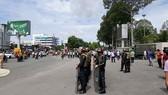 同奈省警察部隊於6月10日在邊和市街頭巡邏戒備,防止過激分子聚眾攪亂社會秩序。(圖源:越通社)