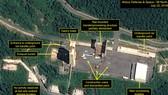 拍攝於7月22日的衛星圖像顯示,朝鮮正在拆除西海岸衛星發射場中用於組裝運載火箭的軌道式構造物。(圖源:38North)
