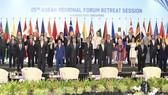 各國代表出席第二十五屆東盟區域論壇。(圖源:互聯網)