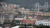 意大利公路橋坍塌至少 30 人死傷。(圖源:路透社)