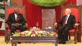 黨中央總書記阮富仲接見古巴黨中央政治局委員、國務委員會與部長會議第一副主席薩爾瓦多‧瓦爾德斯‧梅薩。(圖源:VOV)