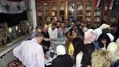 敘利亞國內衝突爆發已有7年,當地時間16日,敘國內由政府掌控的地區舉行2011年12月以來的首次地方選舉。(圖源:AP)