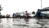 本月7日晚上的暴雨令范文同街頓成澤國。