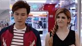 《那時我們相愛》一片中,每集的拍攝背景都佈滿贊助商的商標。