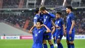 泰國隊慶祝攻進第二個球。(圖源:互聯網)