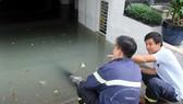 許多公寓地下室水淹須租賃水泵機抽水。(圖源:山和)